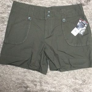 NWT Massini Army green shorts